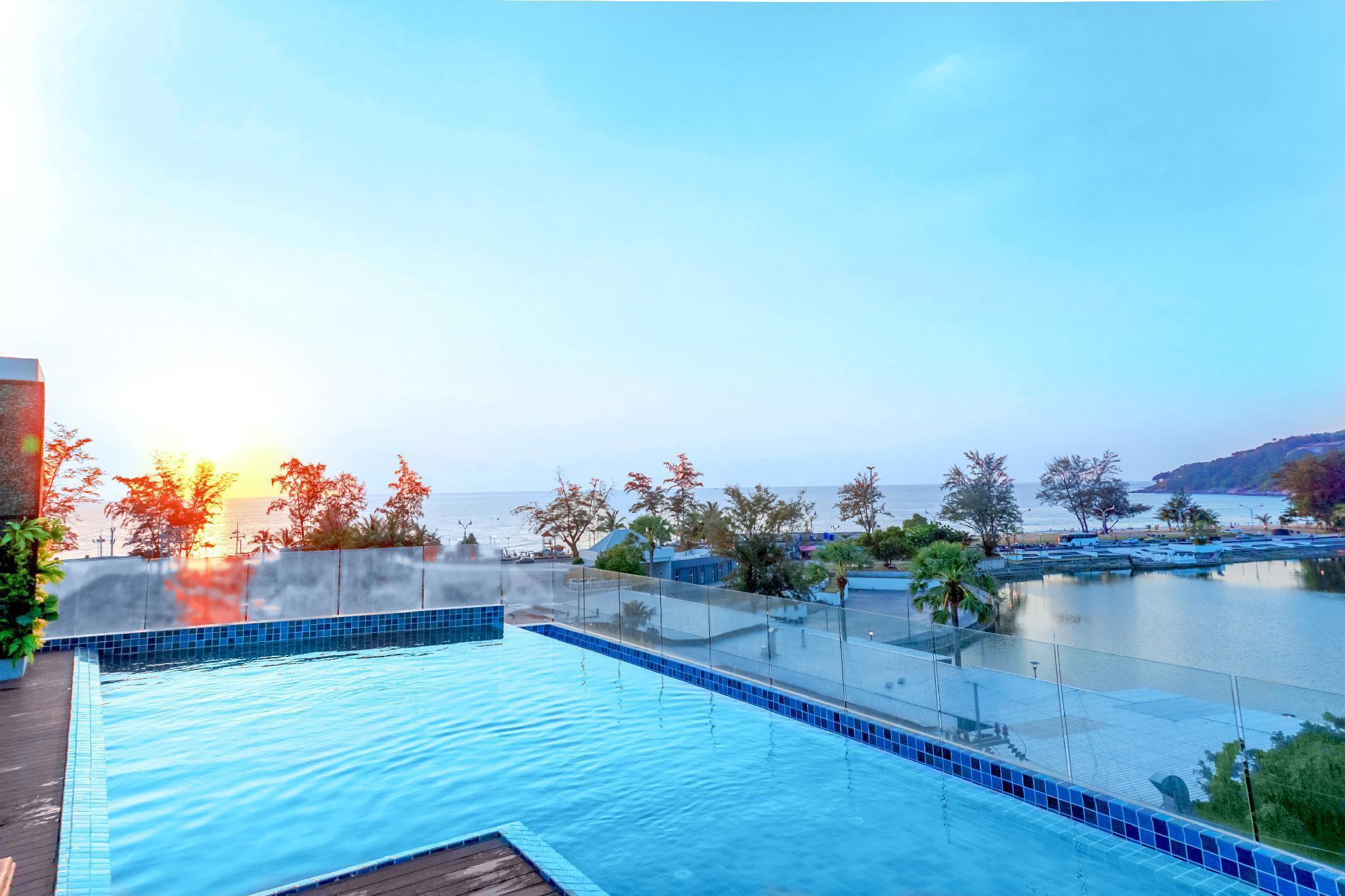 Phoenix Hotel Karon Beach โรงแรมฟีนิกซ์ หาดกะรน