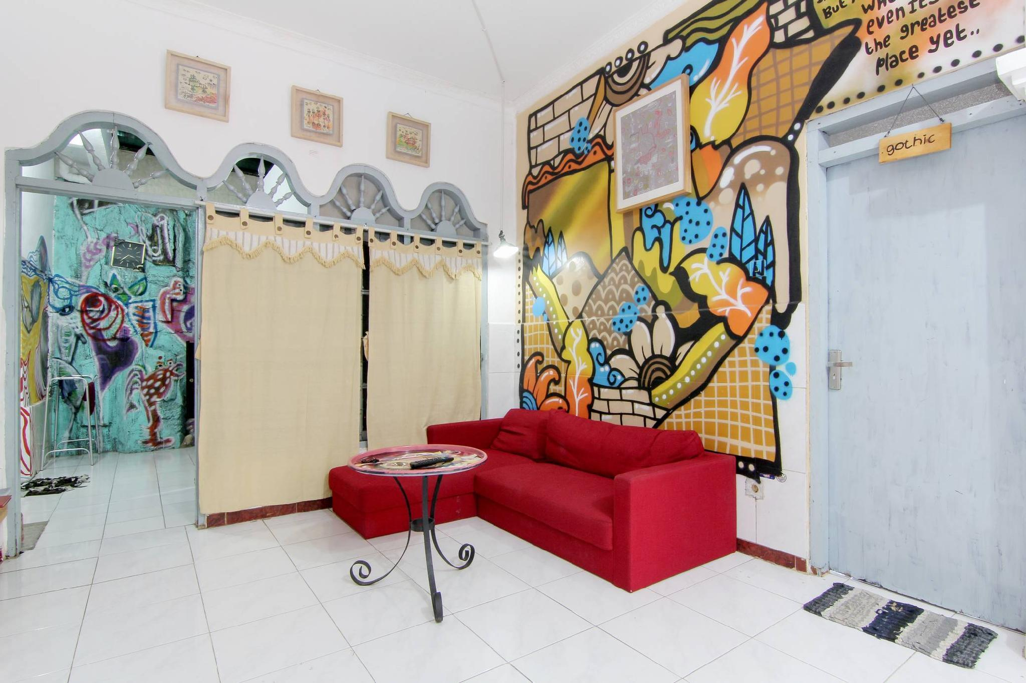 De'Oplet Homestay And Gallery