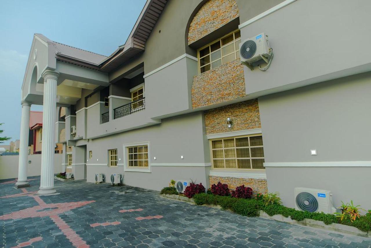 CribVille Hotel & Suites