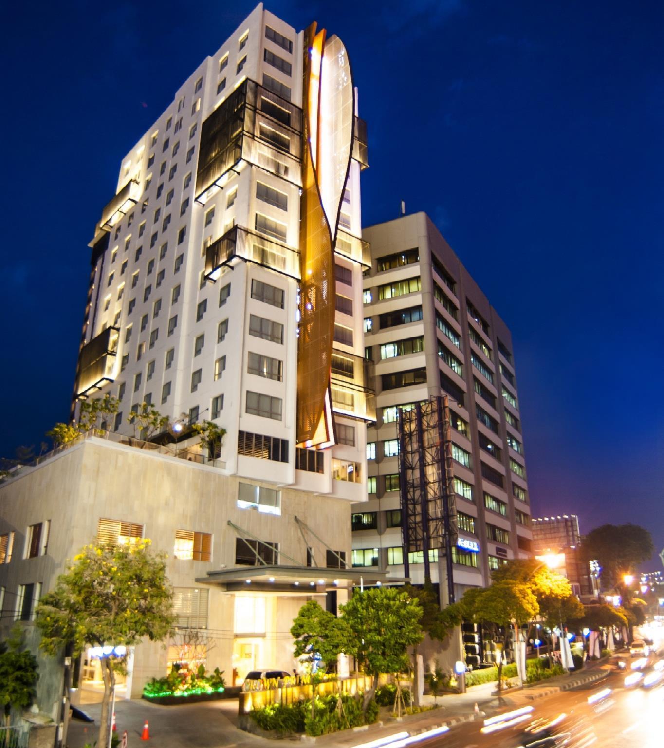 Crown Prince Surabaya Hotel