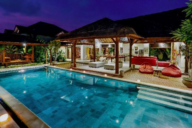 Luxury 5 Bedroom Villa - Superb Value
