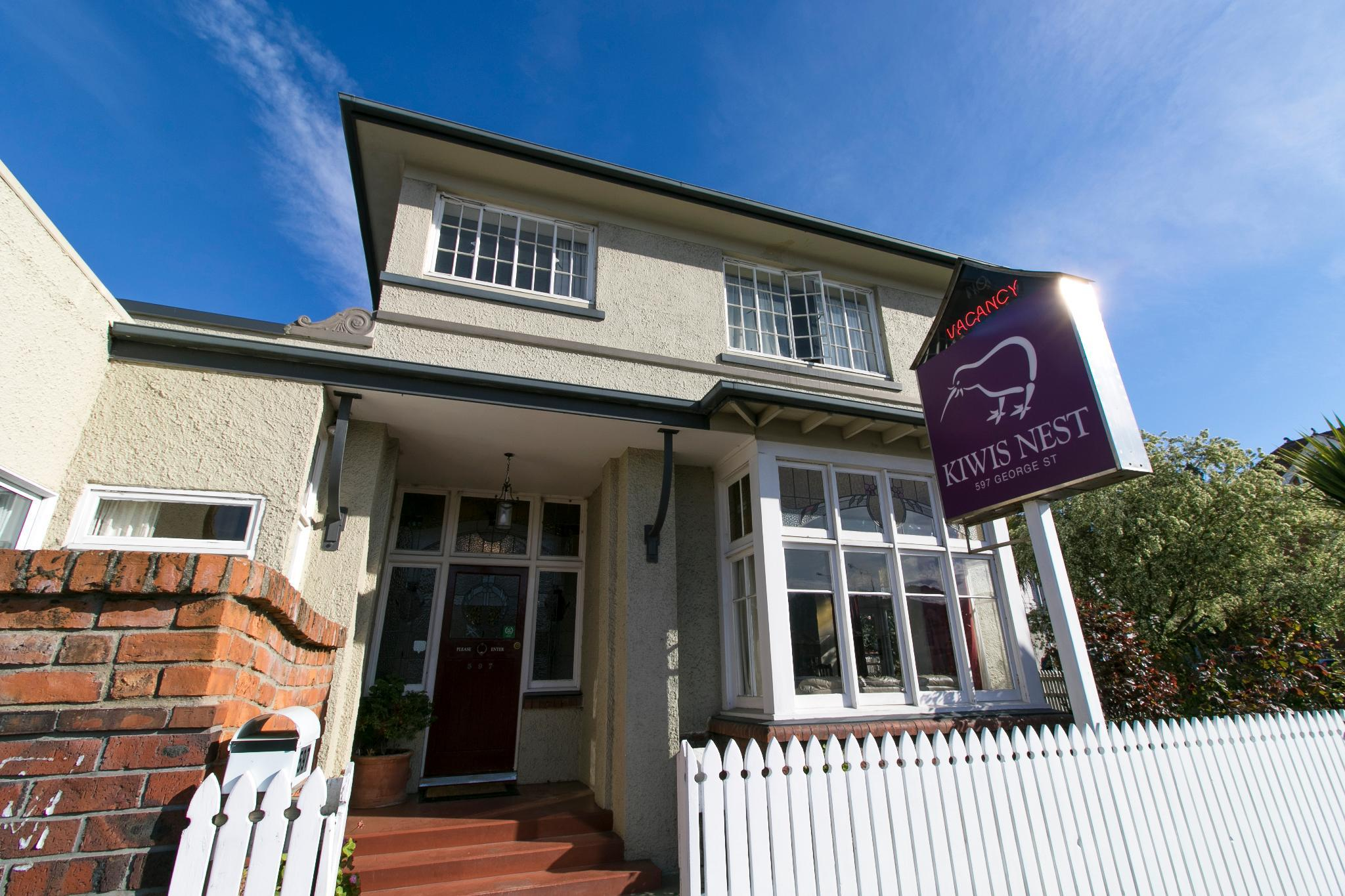 Kiwi's Nest Budget Accommodation And Backpackers