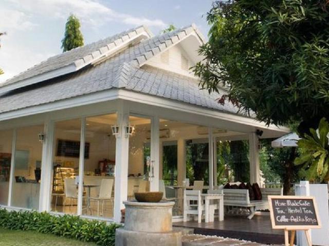 ไวท์ชาเลต เกสท์เฮาส์ – Whitechalet Guest House