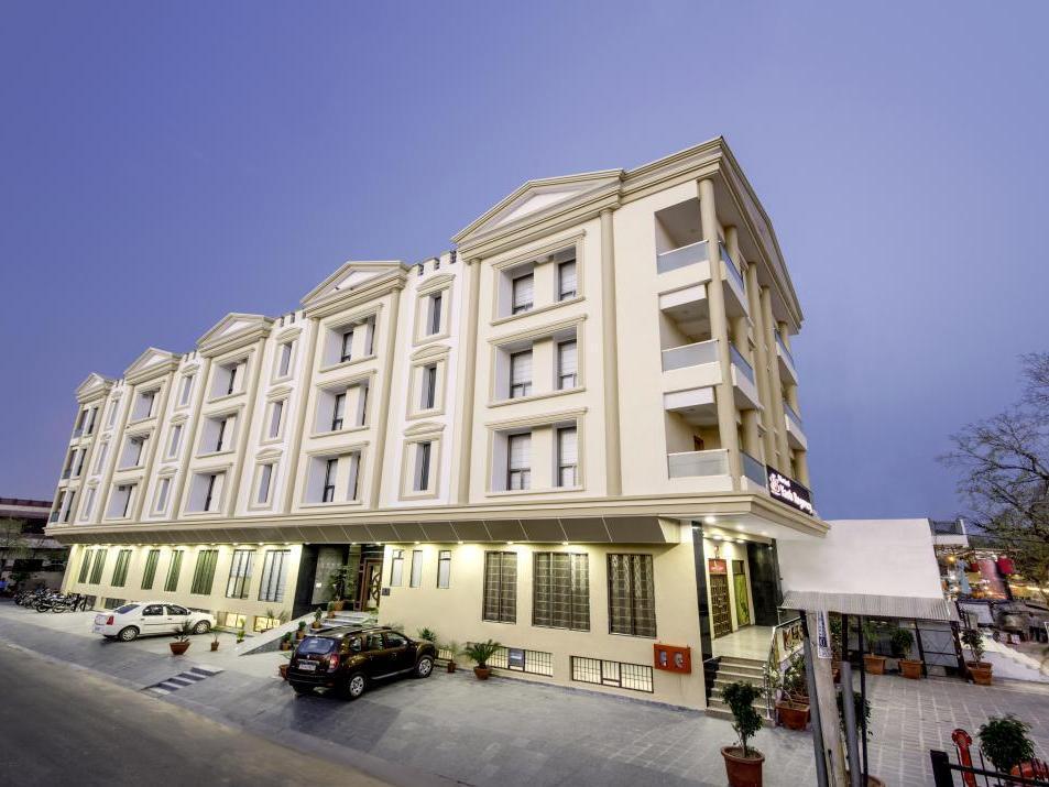 Hotel Yash Regency