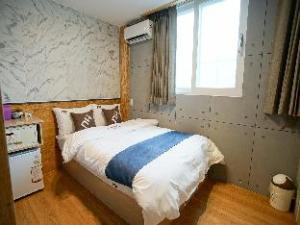DH Shinchon Guesthouse