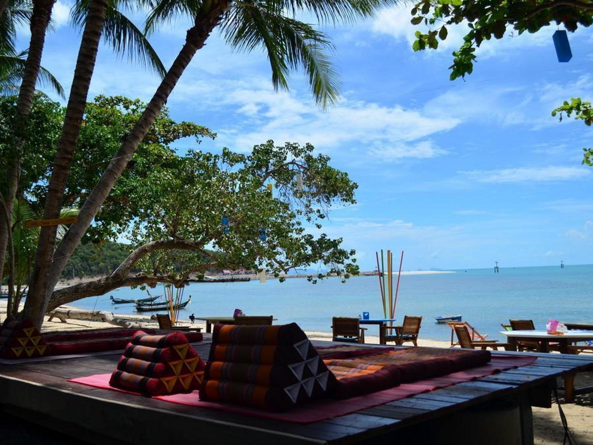 Think and Retro Cafe Lipa Noi Hotel ธิ้งแอนด์รีโทร คาเฟ่ ลิปะน้อย สมุย