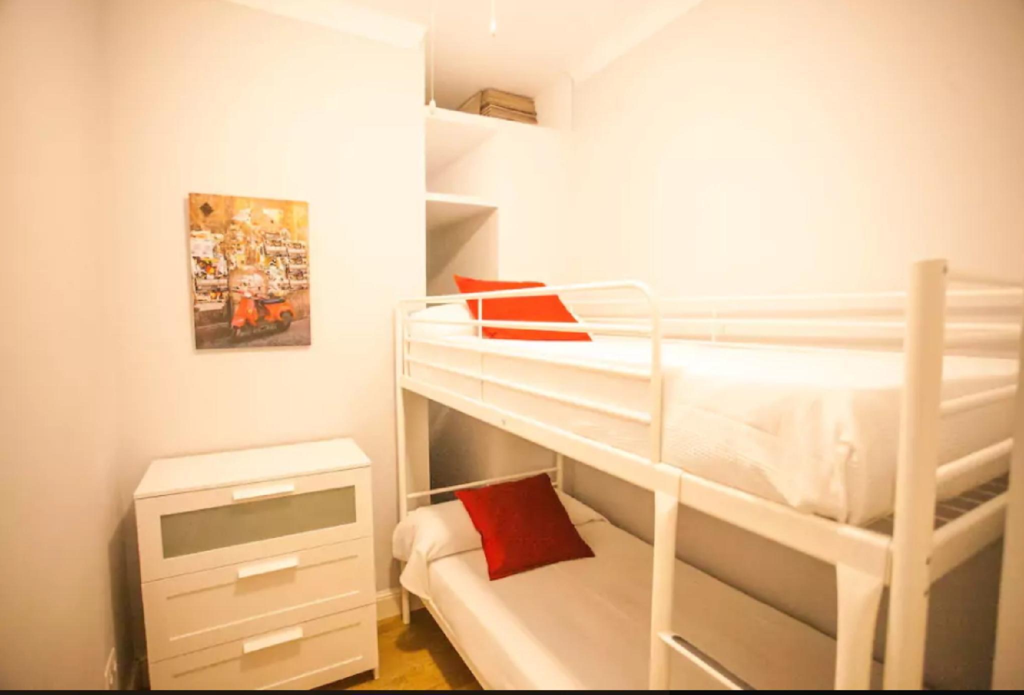 105076   Apartment In M�laga