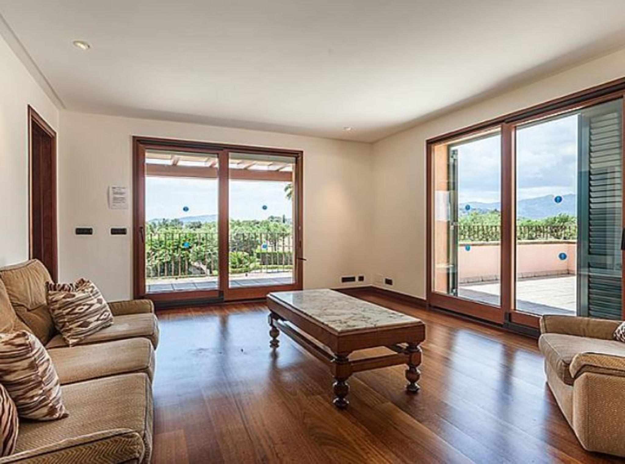 105835   Villa In Pollen�a