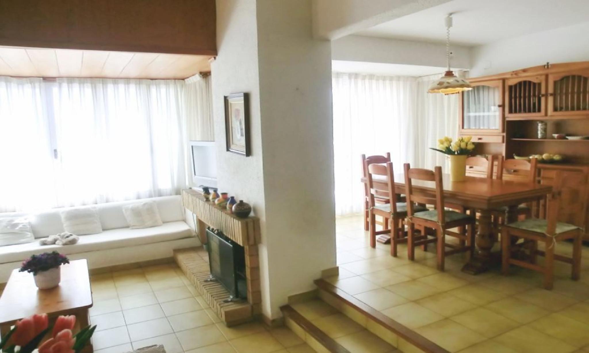 104831    Villa In Blanes