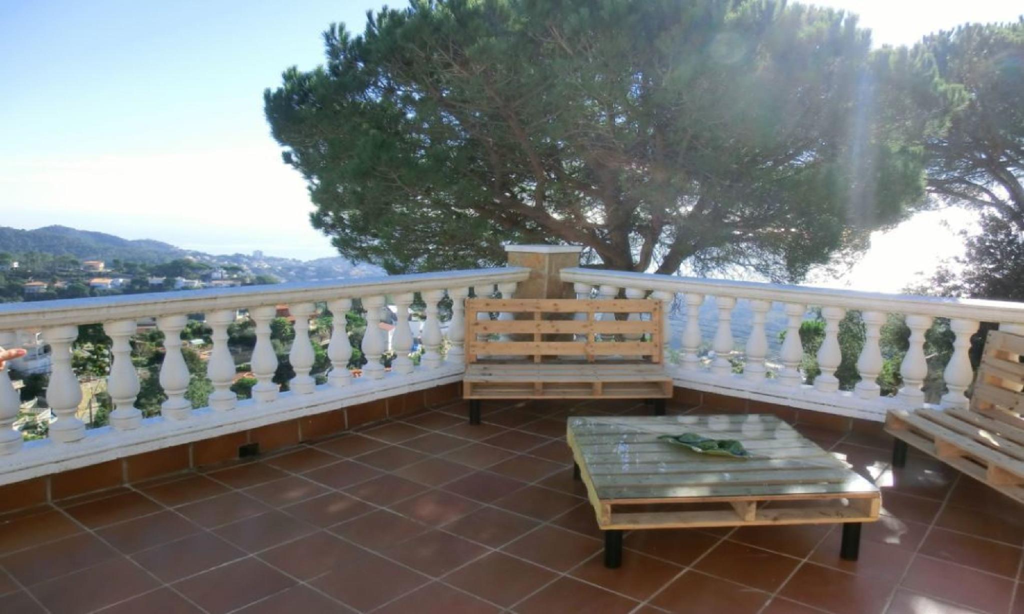104812   Villa In Lloret De Mar