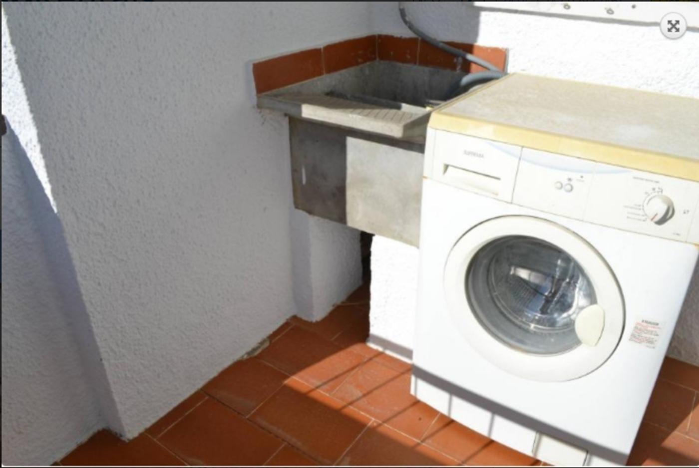 103539   Apartment In Llan��