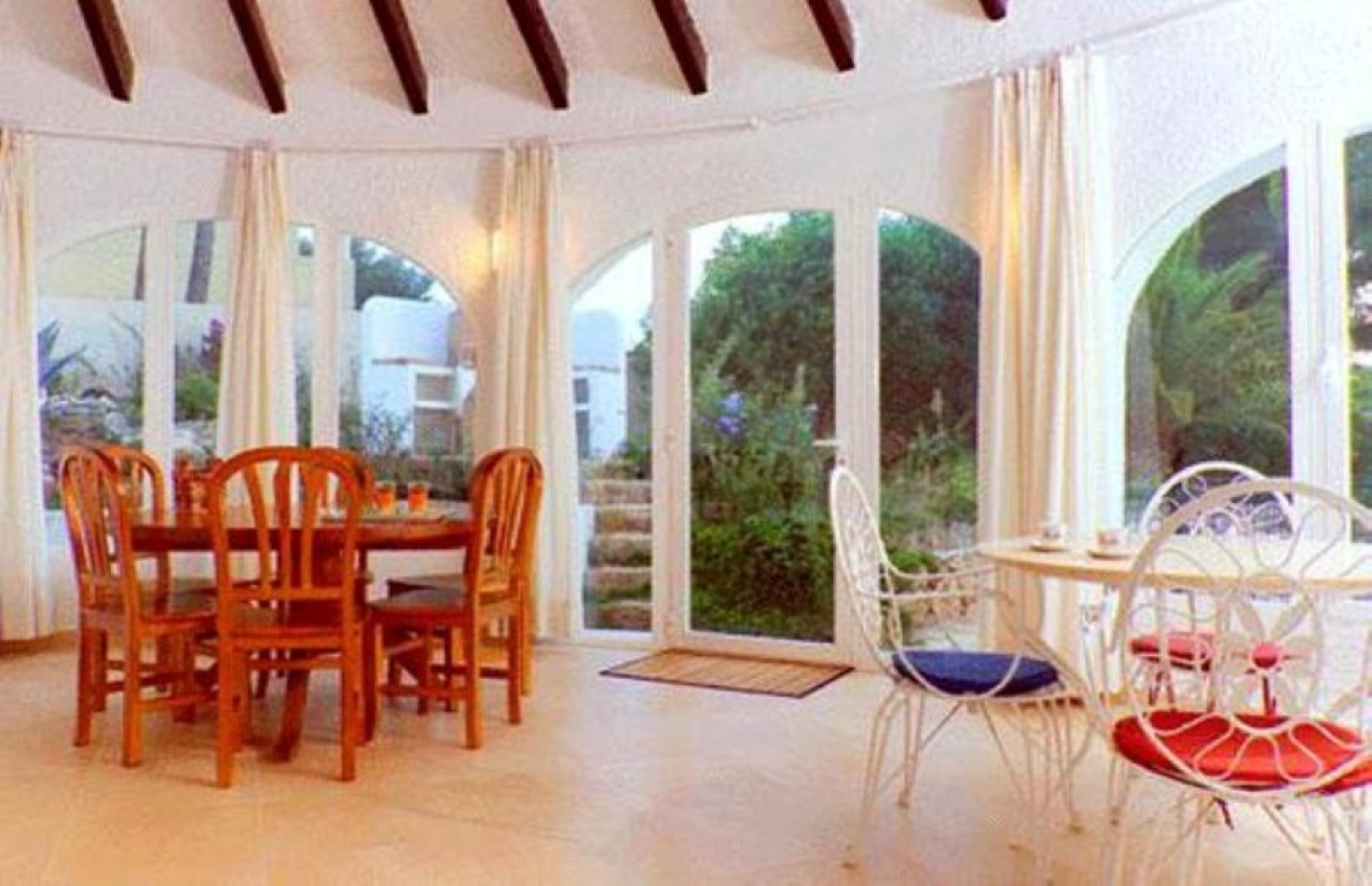 102749   Villa In X�bia