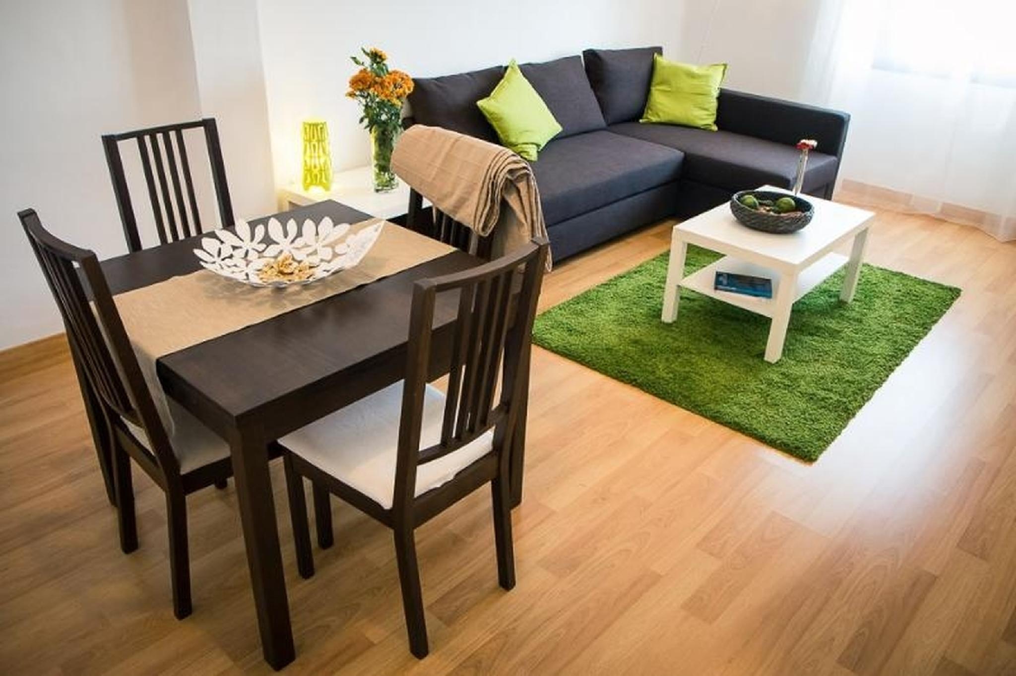 102296   Apartment In M�laga
