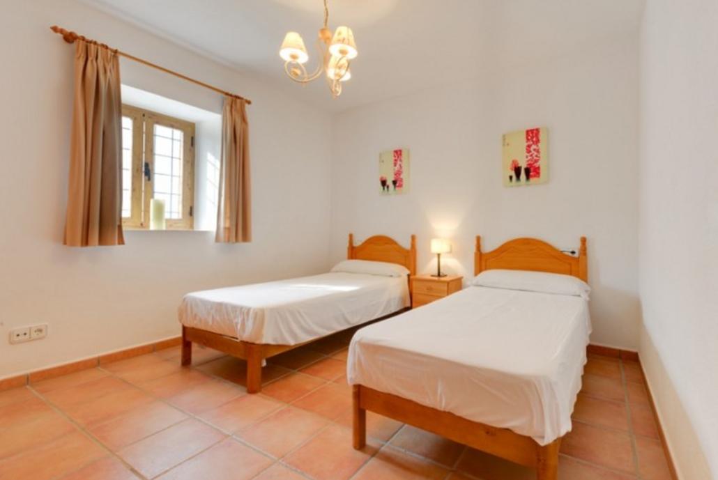 102989    Villa In Santa Eulalia Del Ro