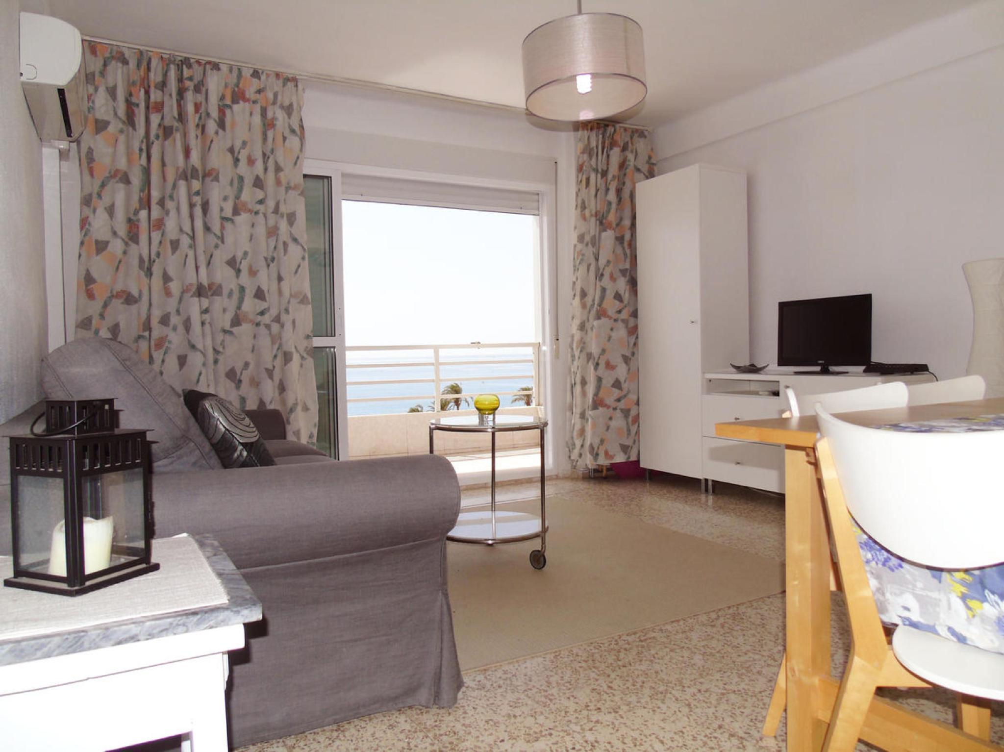 107116   Apartment In Torre Del Mar