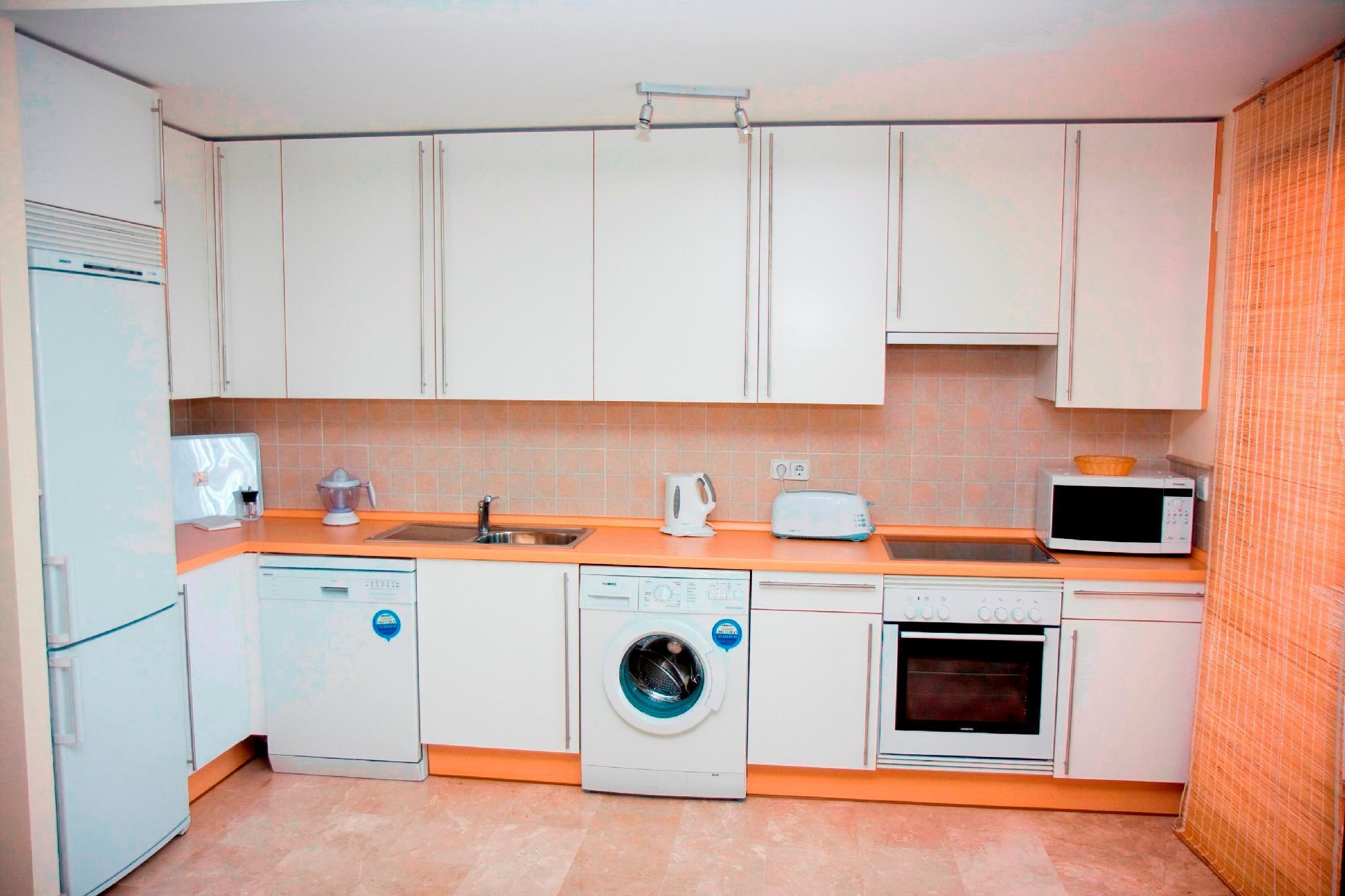 106388   Apartment In Estepona