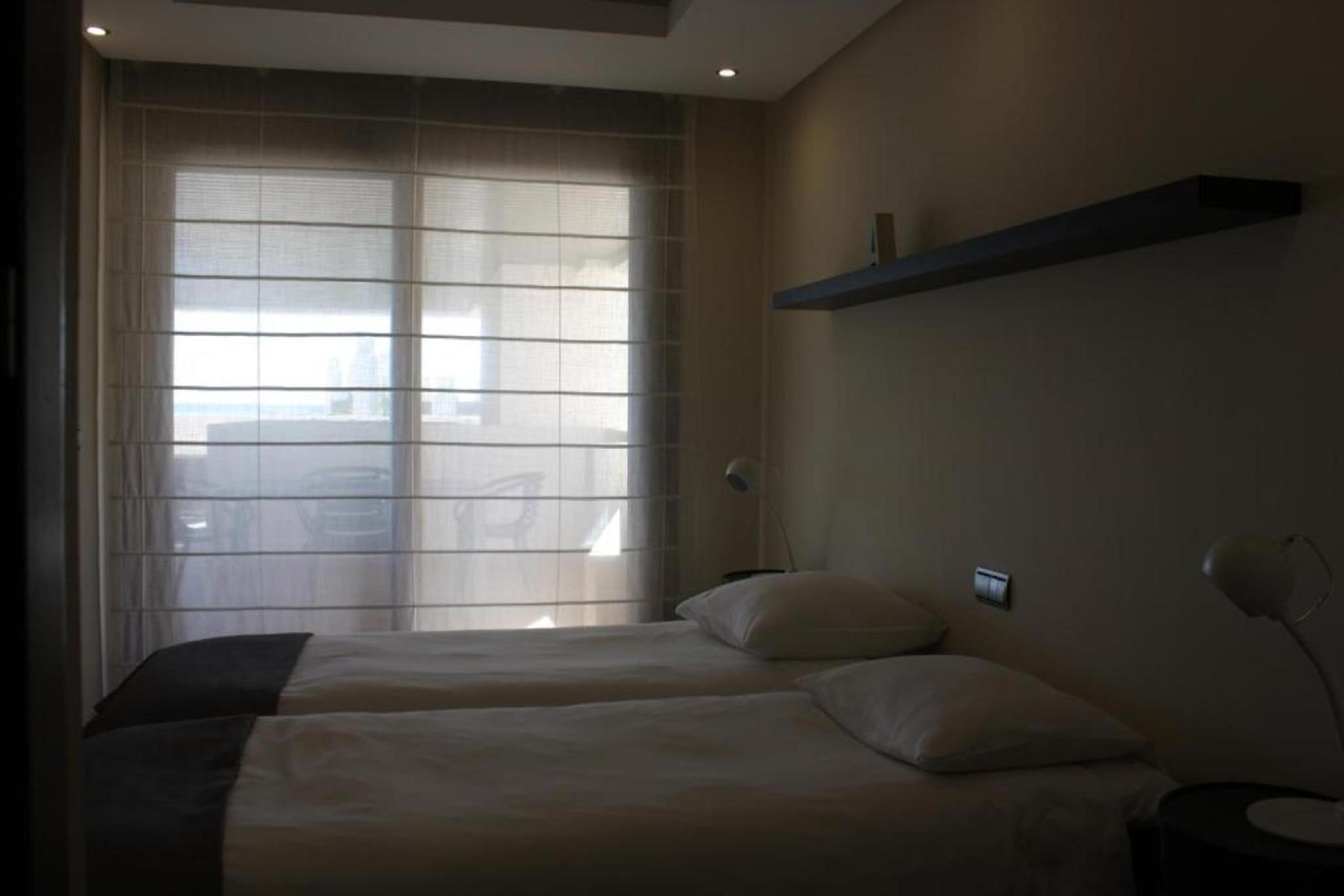 107031   Apartment In Estepona