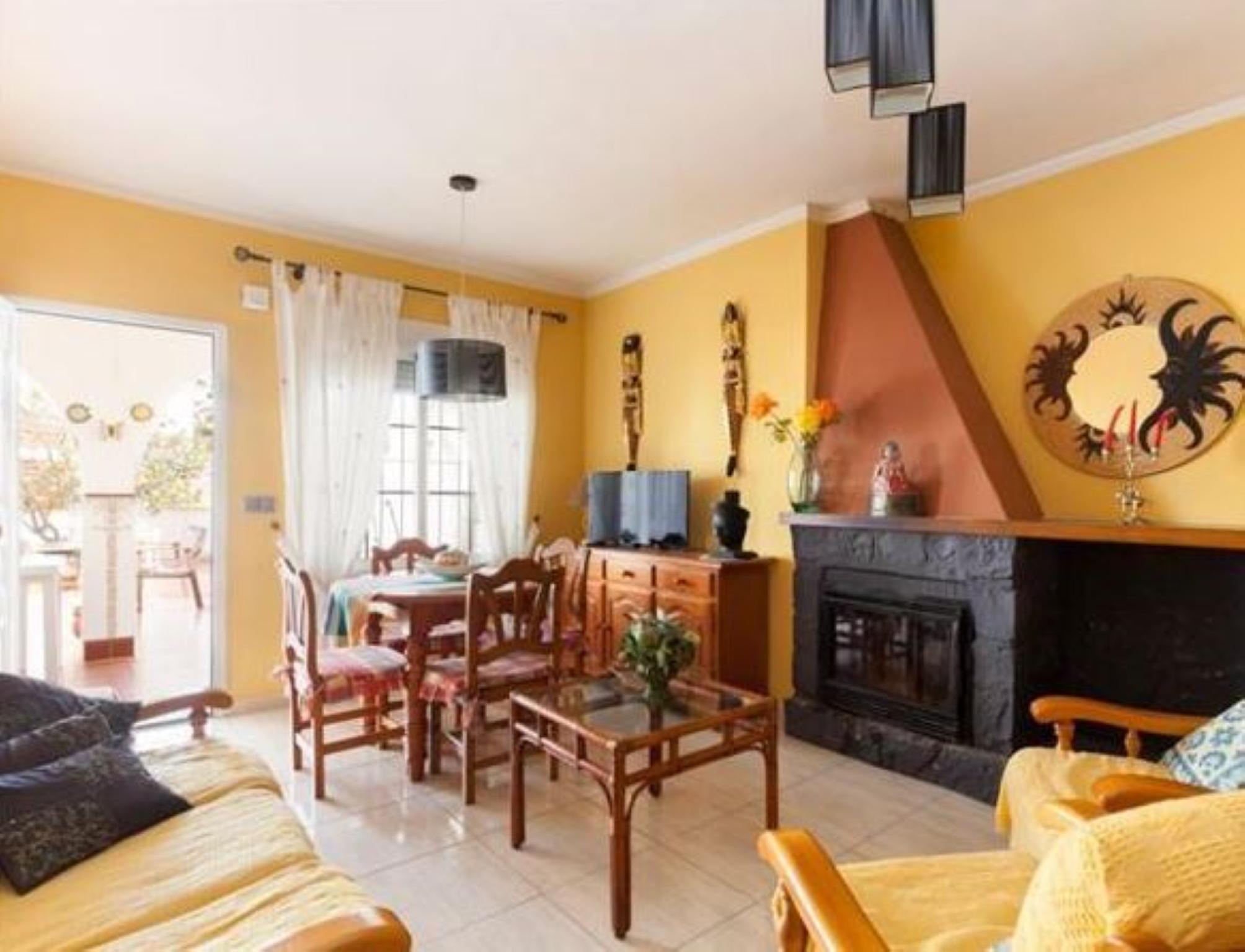 107007   Villa In Denia