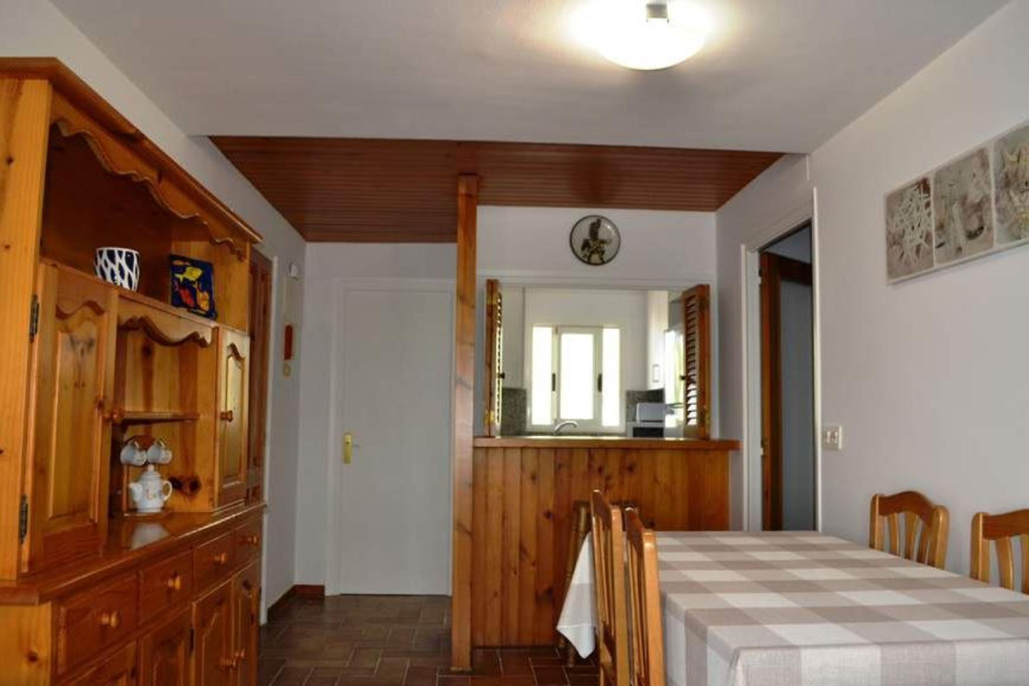 106306   Apartment In Llan�a