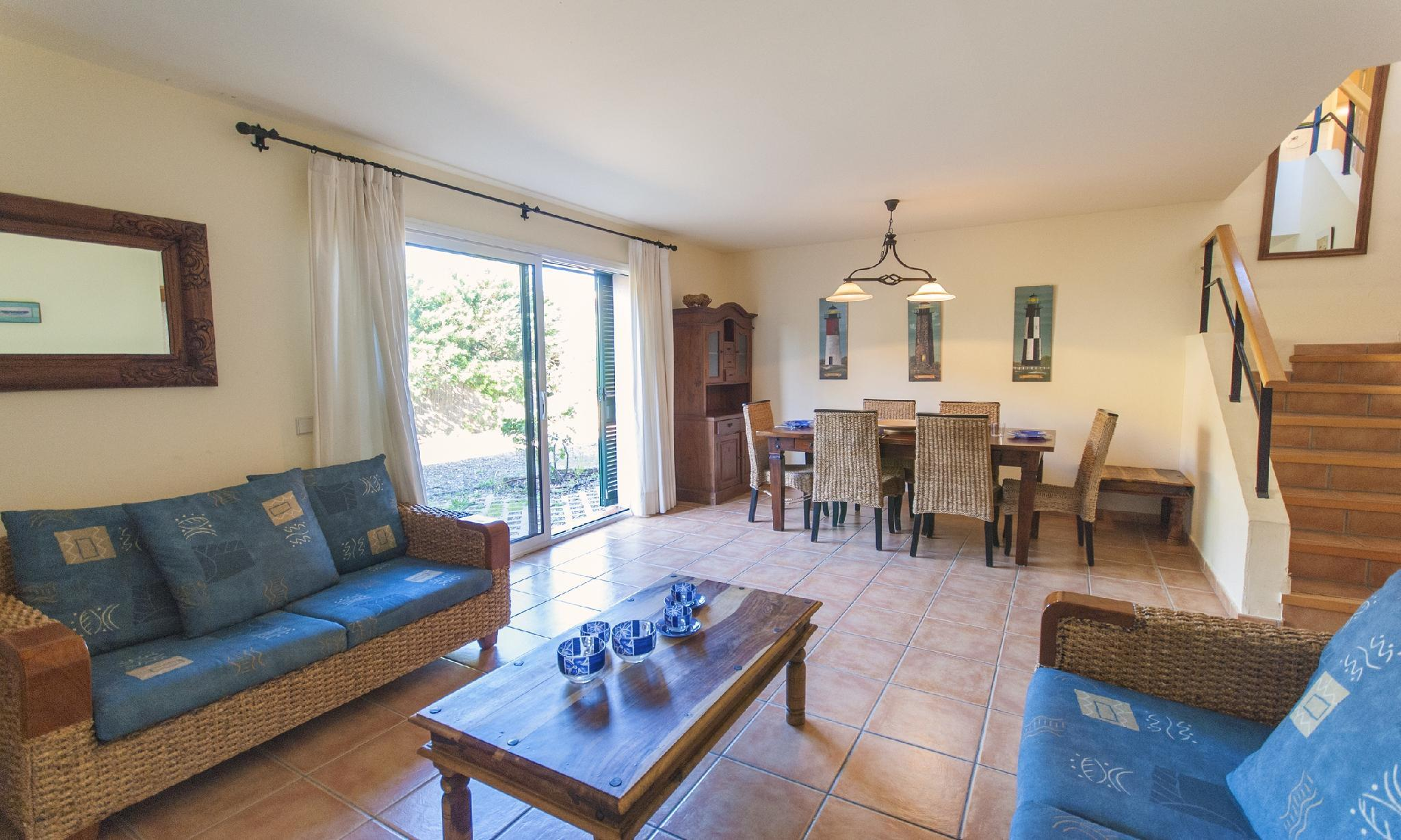 104690   House In Torroella De Montgri