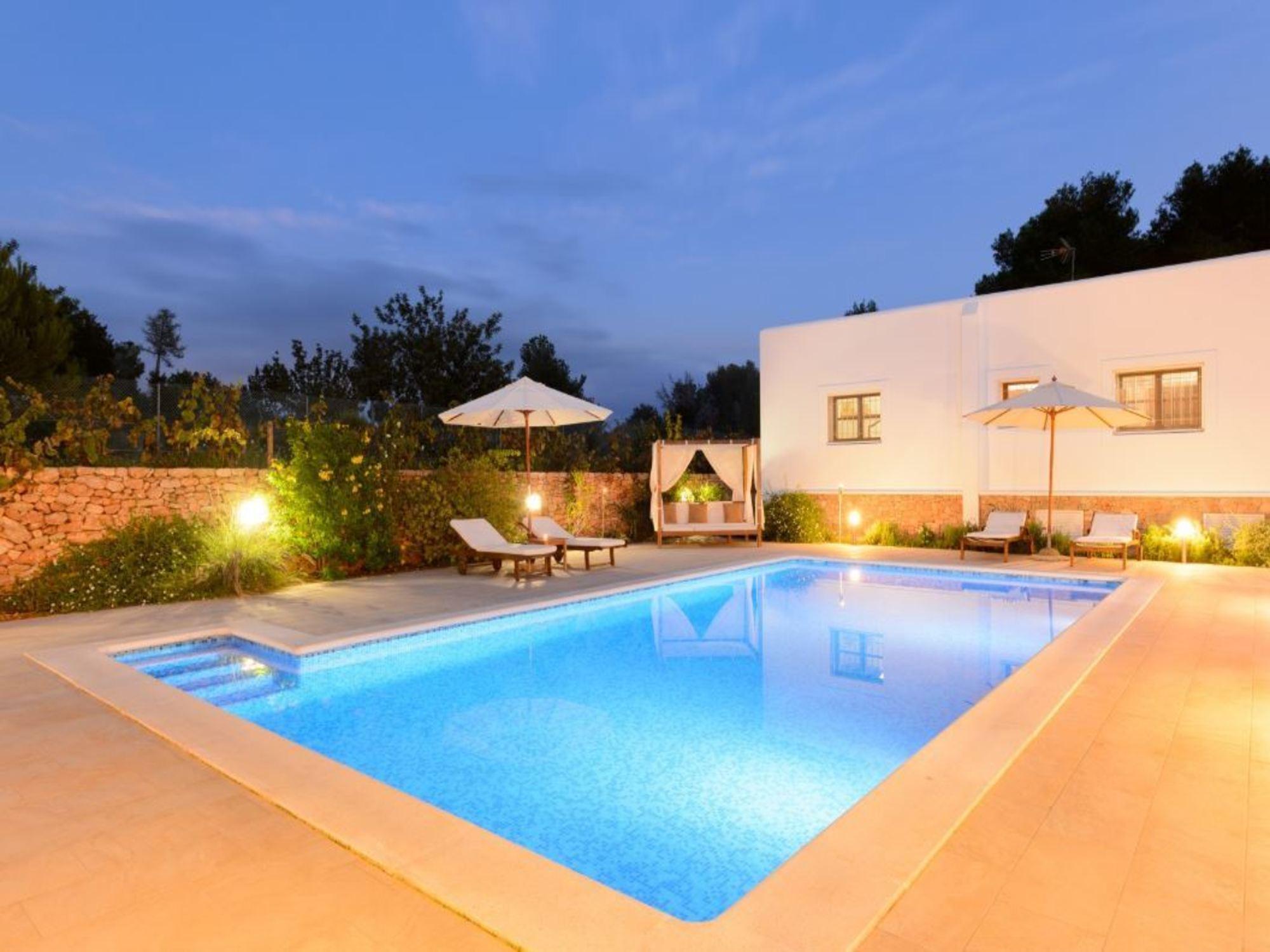 102970   Villa In Santa Eulalia Del R�o