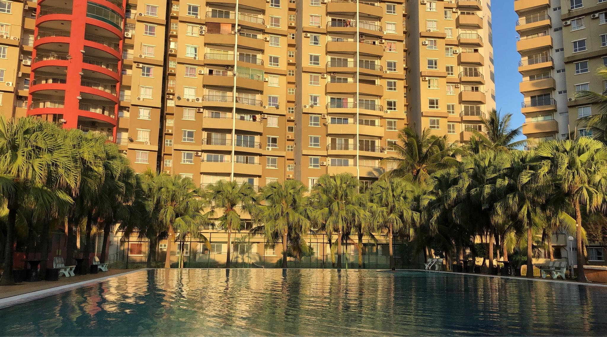 Heza Straits Villa   6 Beds Seaview Condo