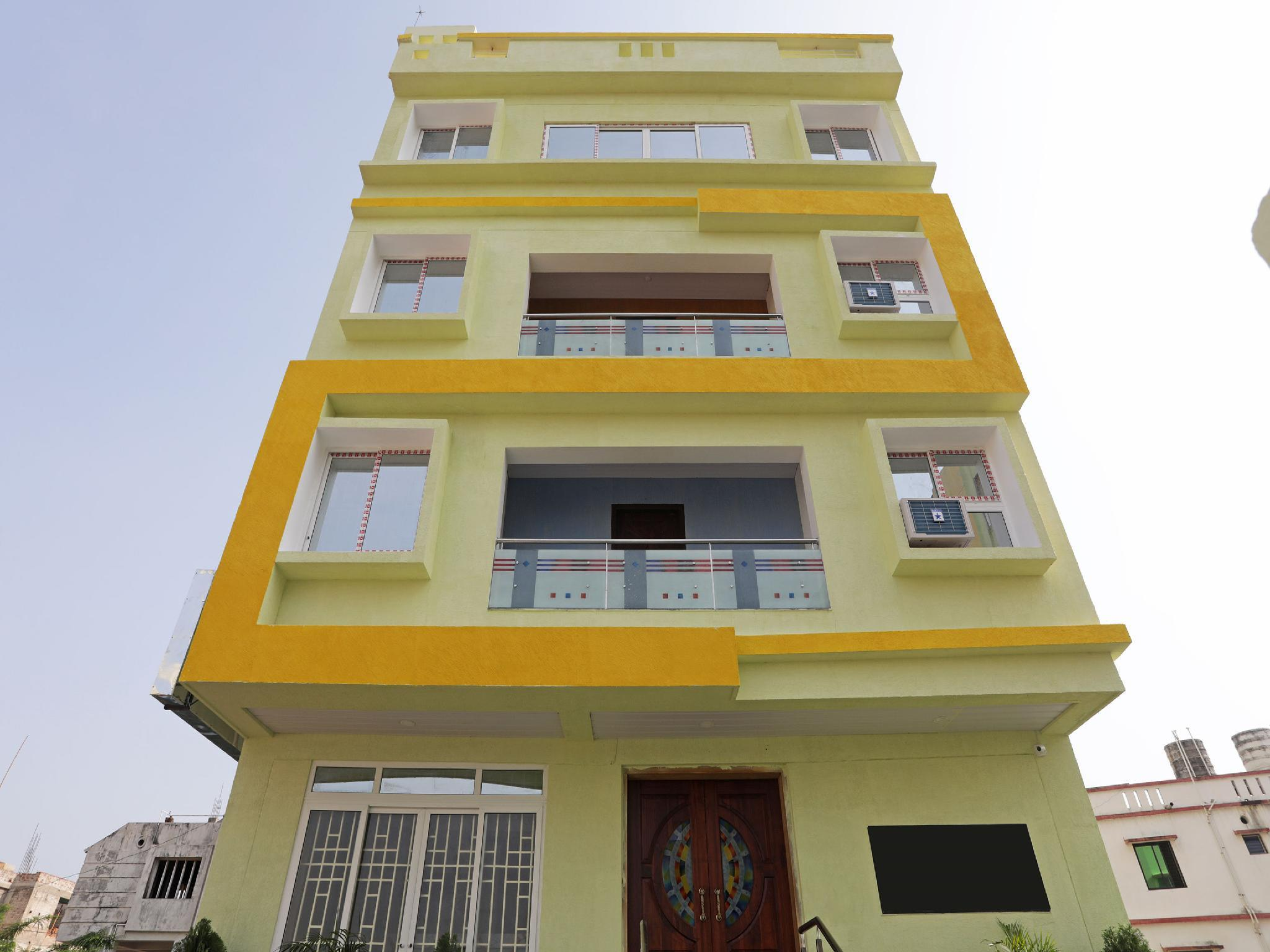 OYO 13924 Shree Gopal Residency