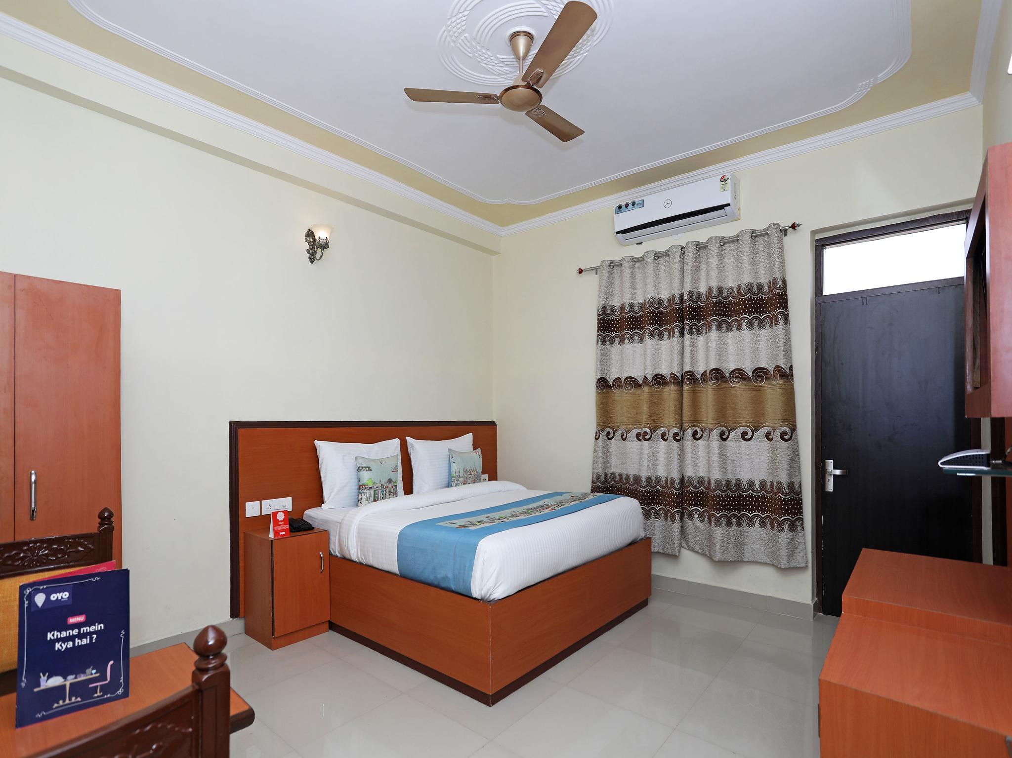 OYO 9973 Hotel Green Valley