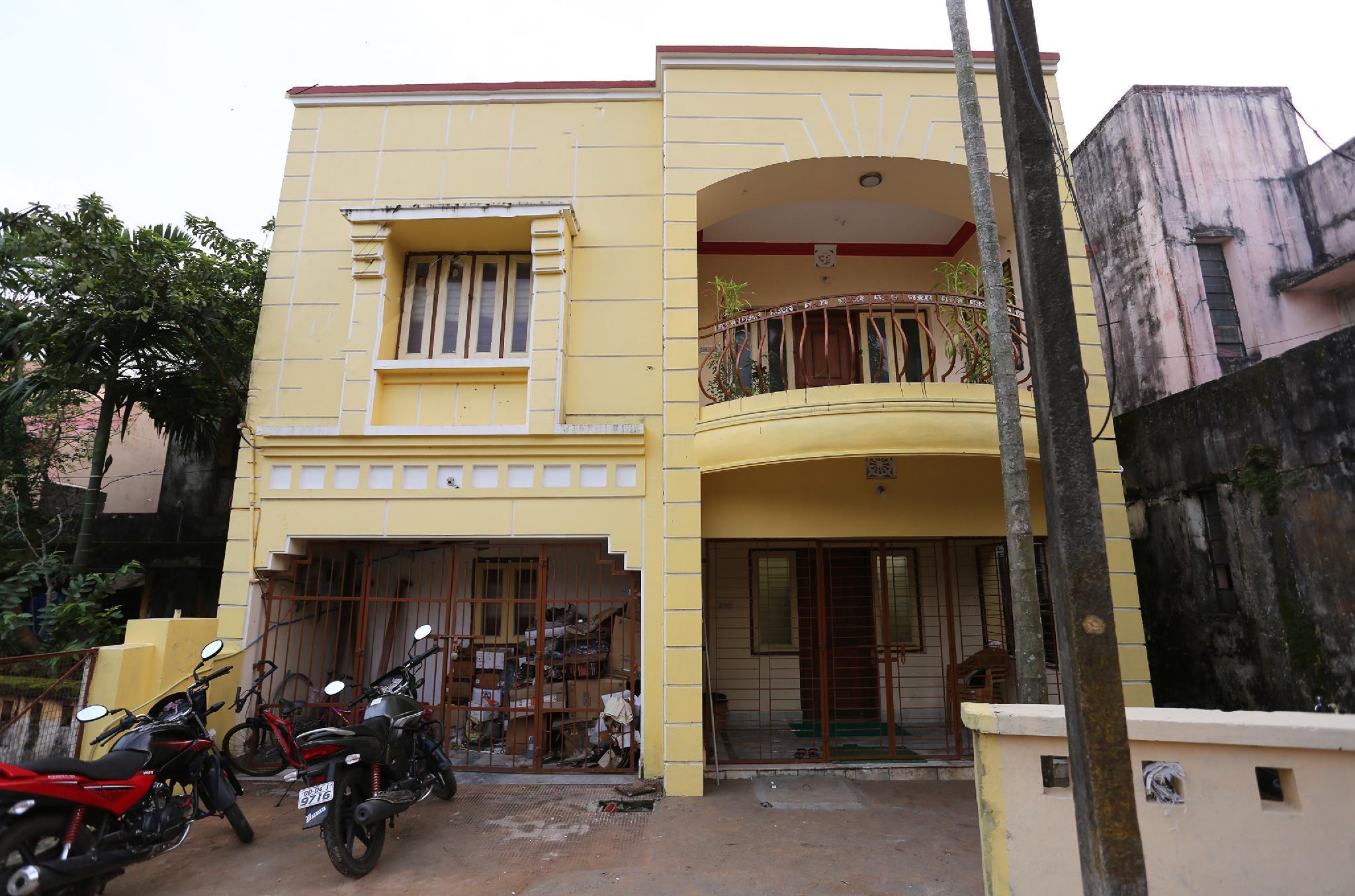 OYO 19323 Shiv Sai Guest House