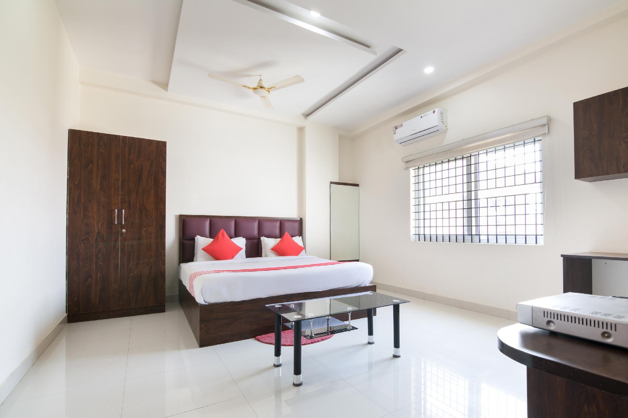 OYO 11387 Hotel Kozy Rooms