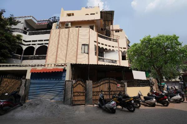 OYO 15141 Townvilla Guest House Hyderabad