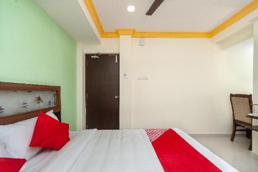 OYO 24311 Sai Sasi Residency