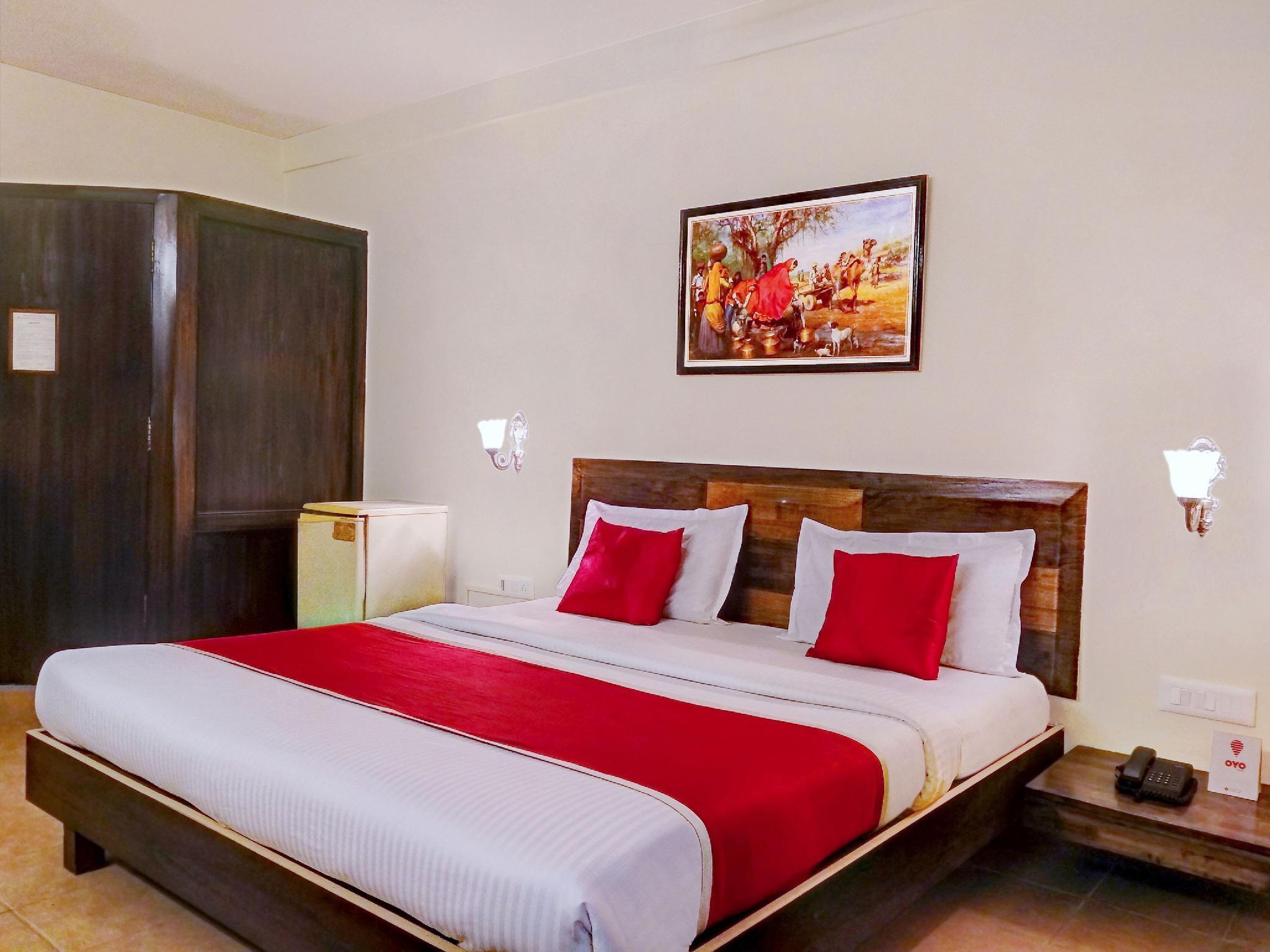 OYO 10884 Pavana Residency