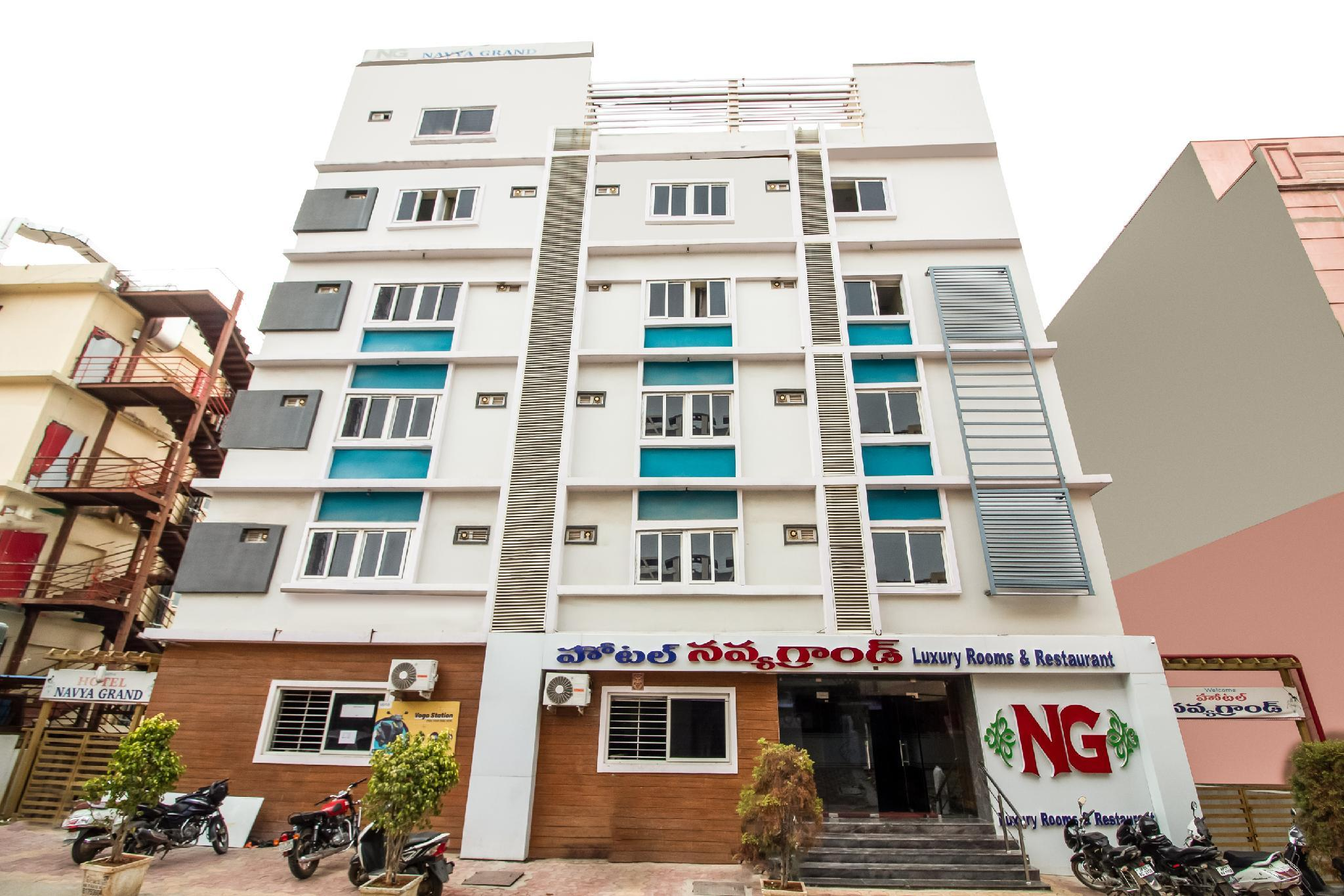 Capital O 7648 Sri Navya Grand