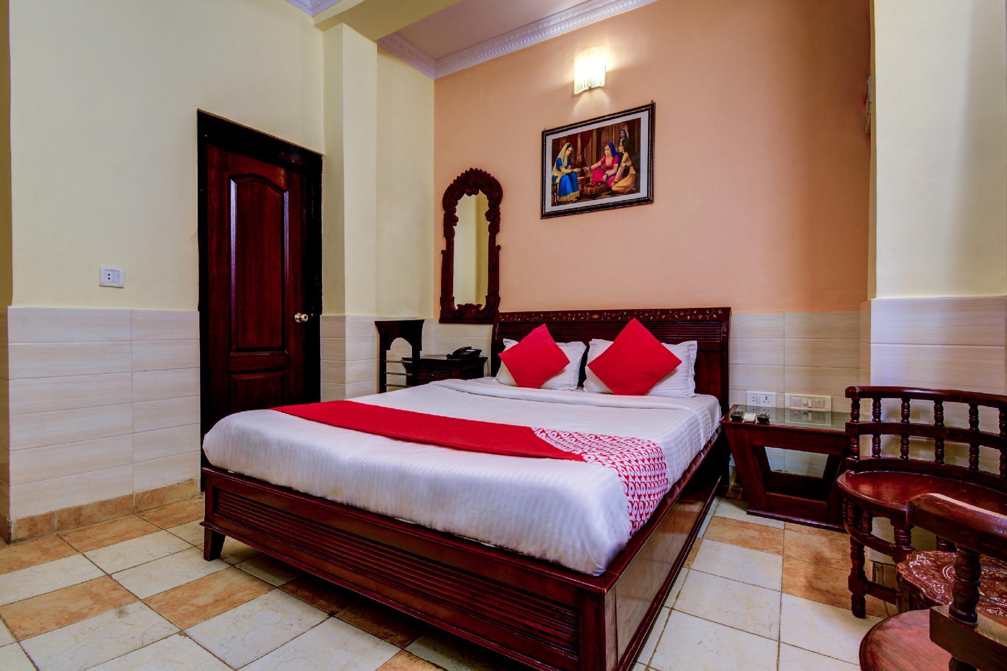 OYO 11204 Hotel RG Palace