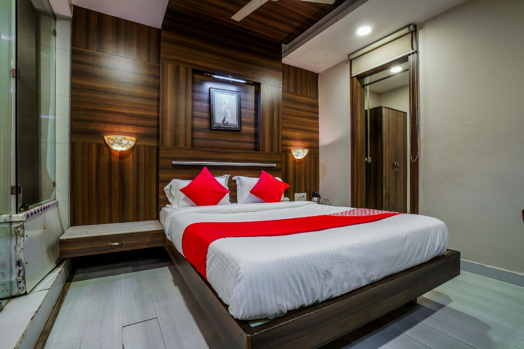 OYO 18396 Hotel Tara International