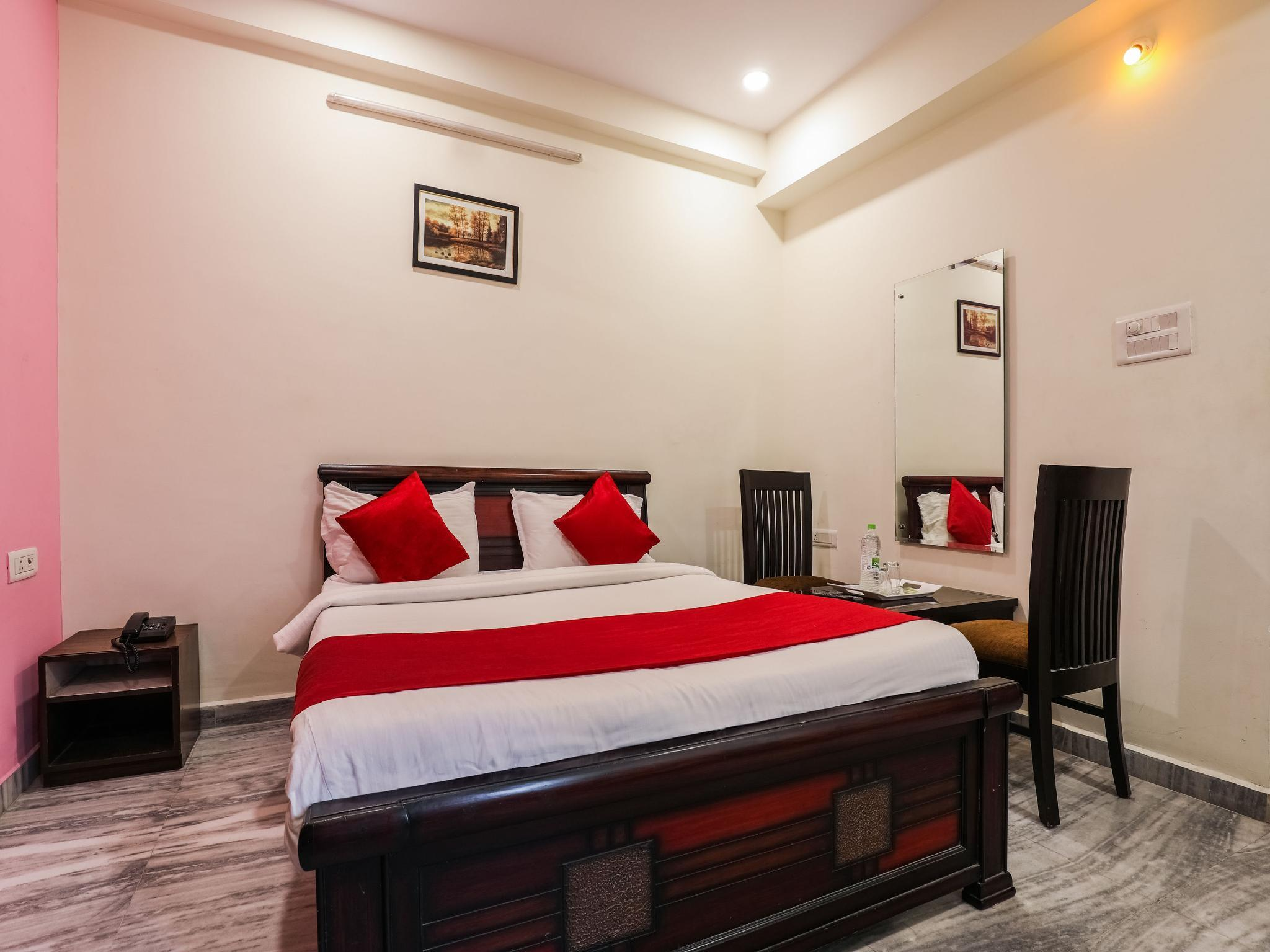 OYO 17206 Maanne Hospitality Services