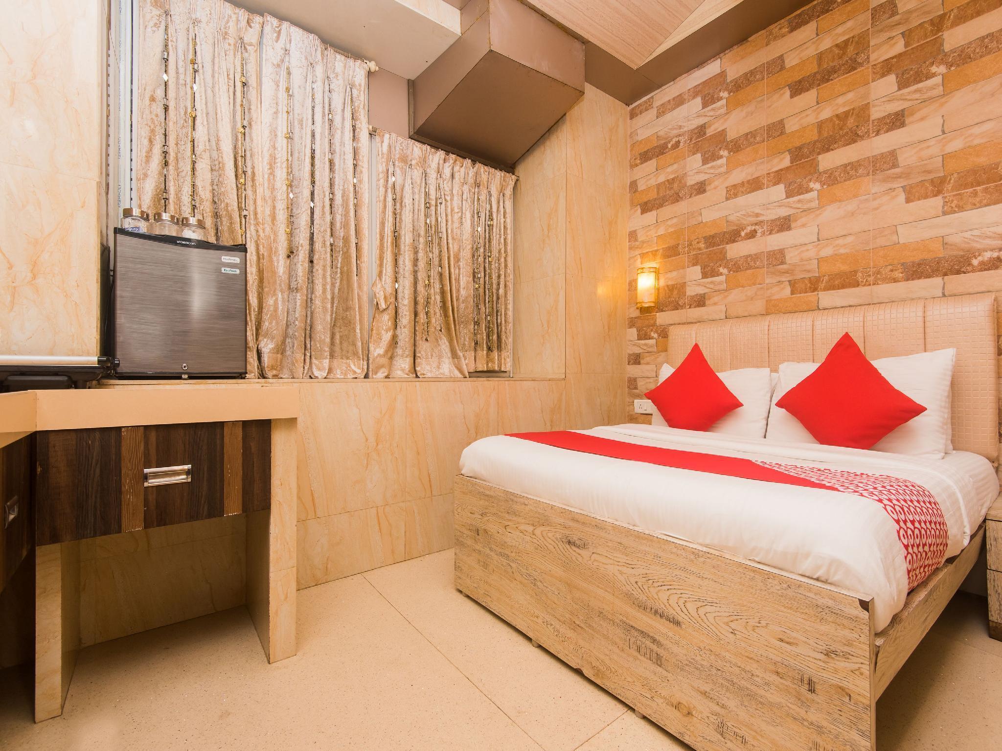 OYO 16119 Hotel Oliver