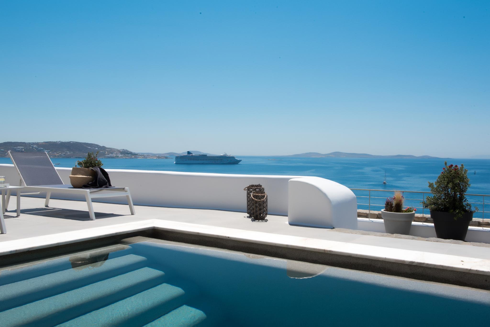 Villa Grace   4 Bedrooms   Pool Access