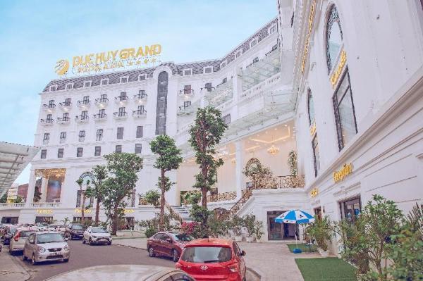 Duc Huy Grand Hotel and Spa Lao Cai City