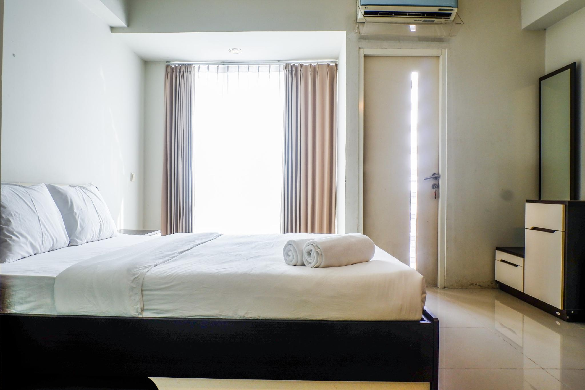 Studio Suite Room At The Square Apt By Travelio