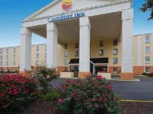 Comfort Inn Conference Center Westport/St. Louis
