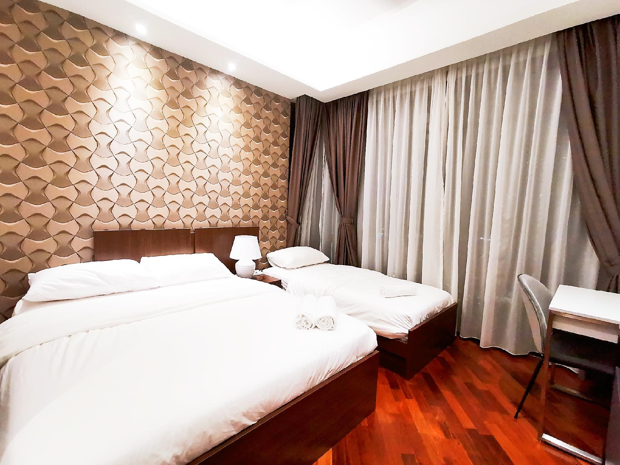 Grand Medini  5Pax  WIFI C19 @ JB City Home