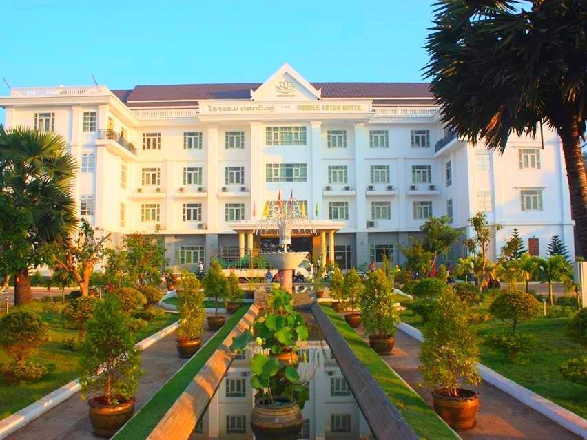 Double Lotus Hotel