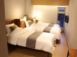 Loft8 Hongdae Guest House