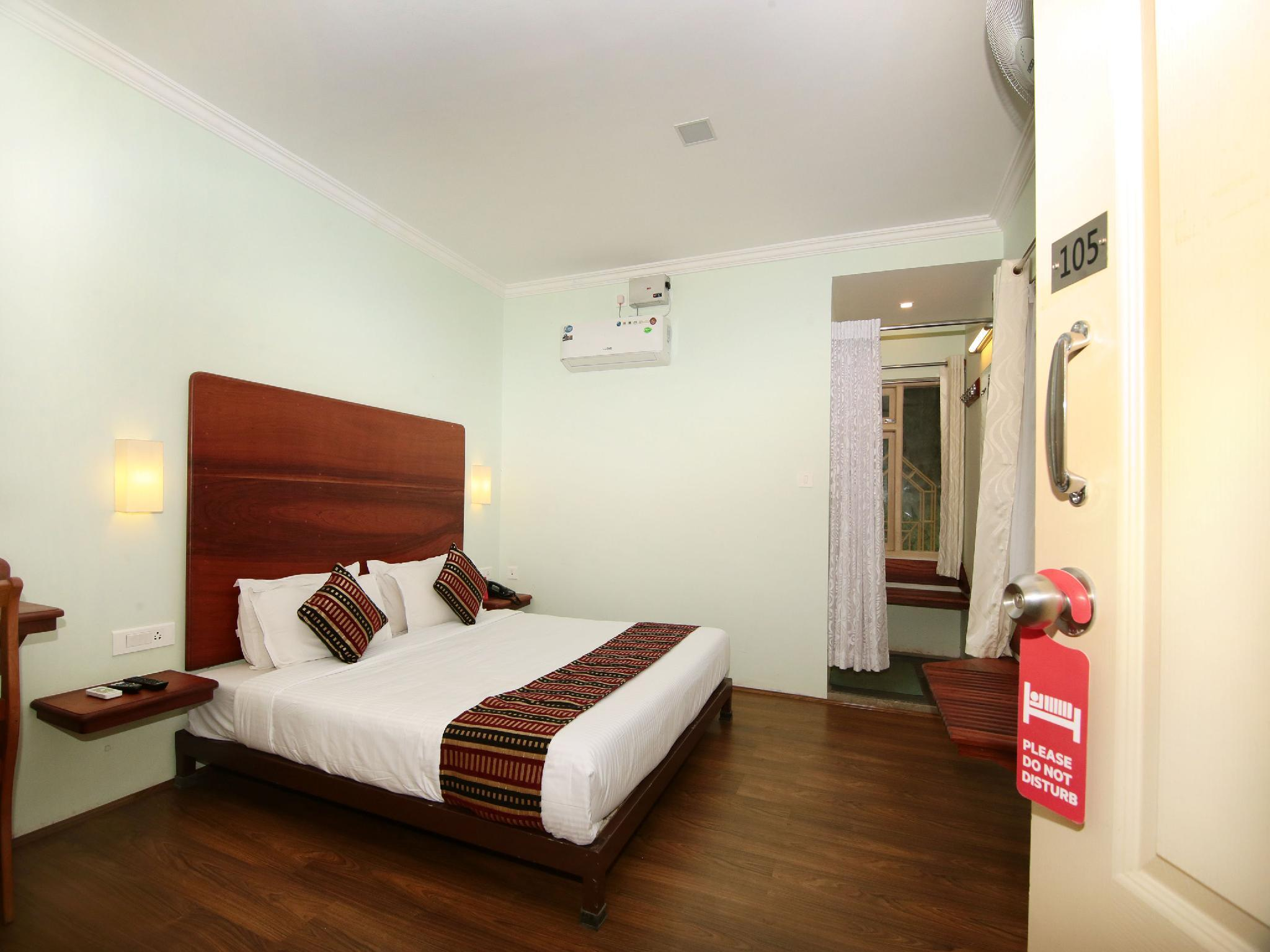 OYO 9348 Hotel Lonely Stay