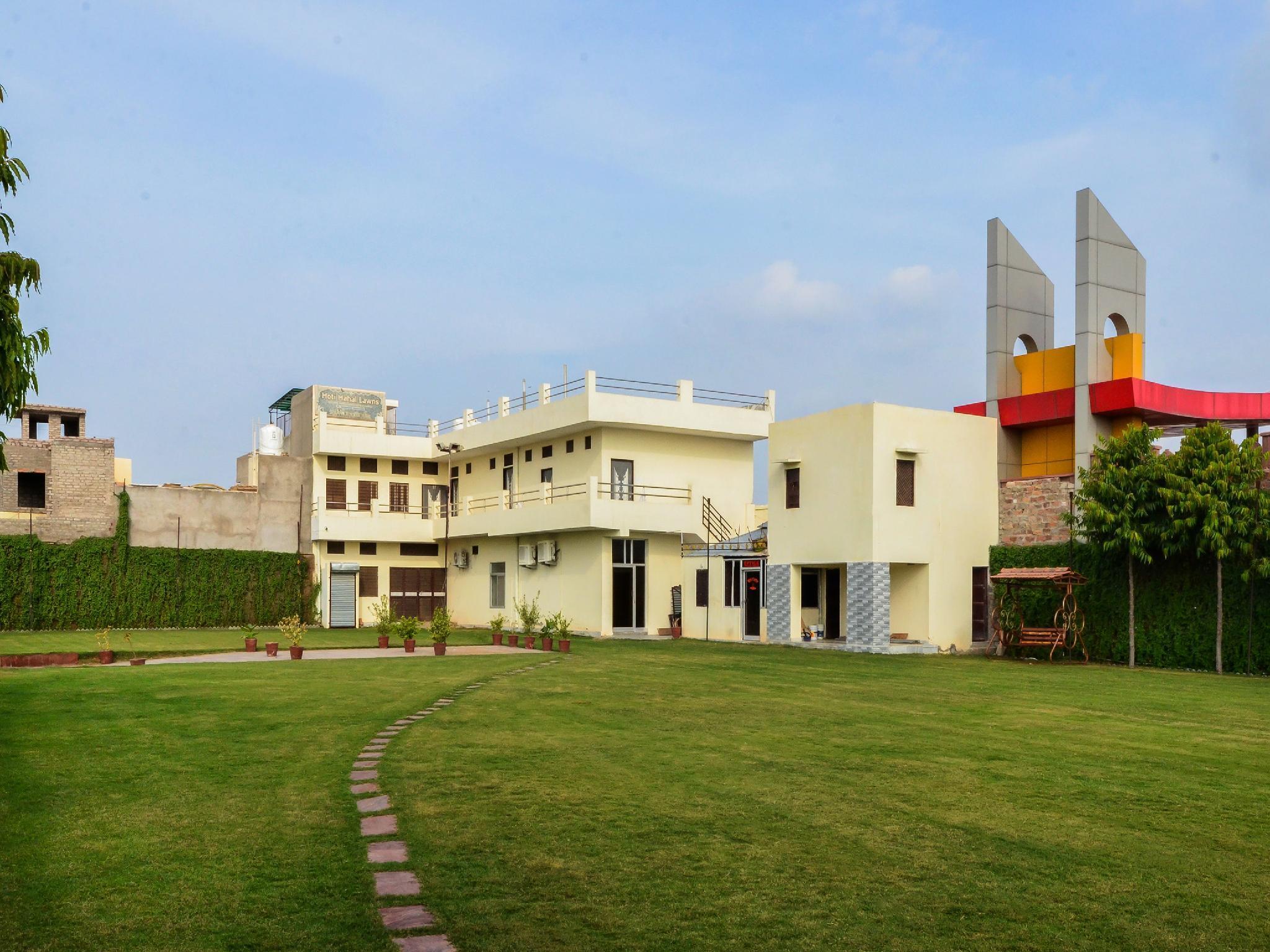 OYO 17014 Moti Mahal Lawn