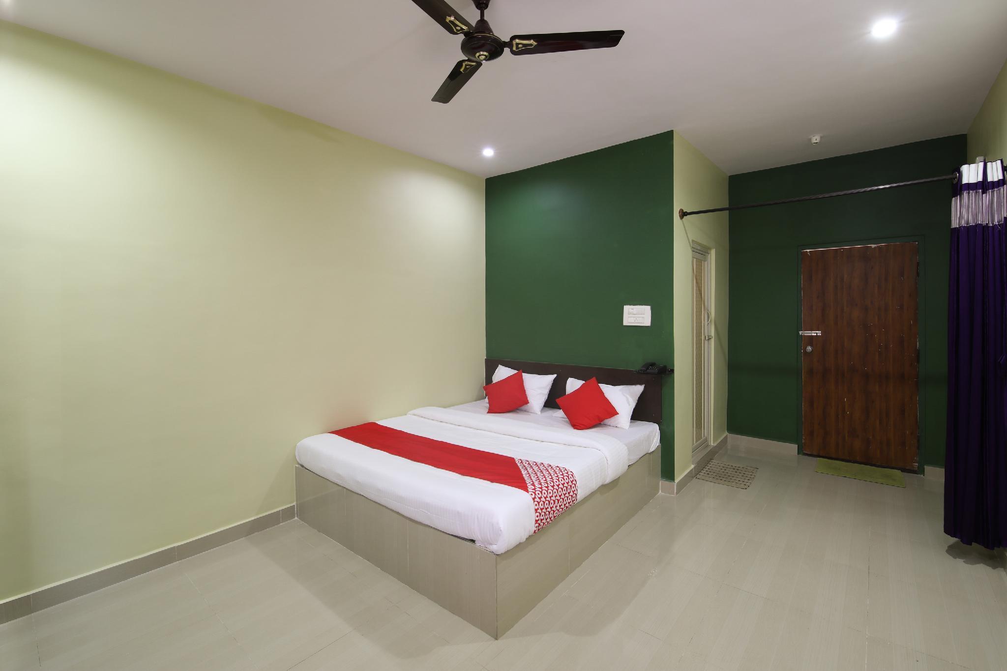 OYO 18969 H3 Rooms