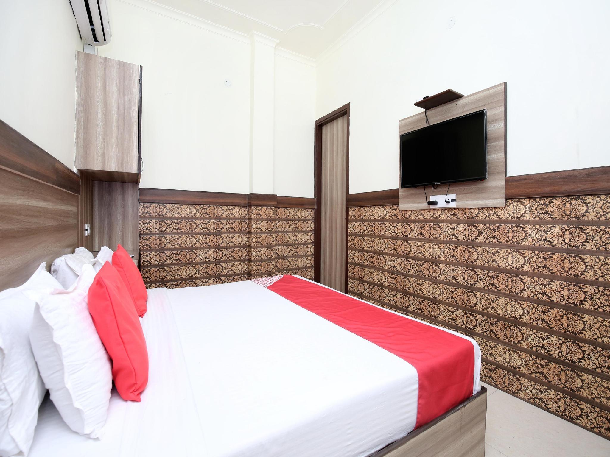 OYO 14784 Angad Residency