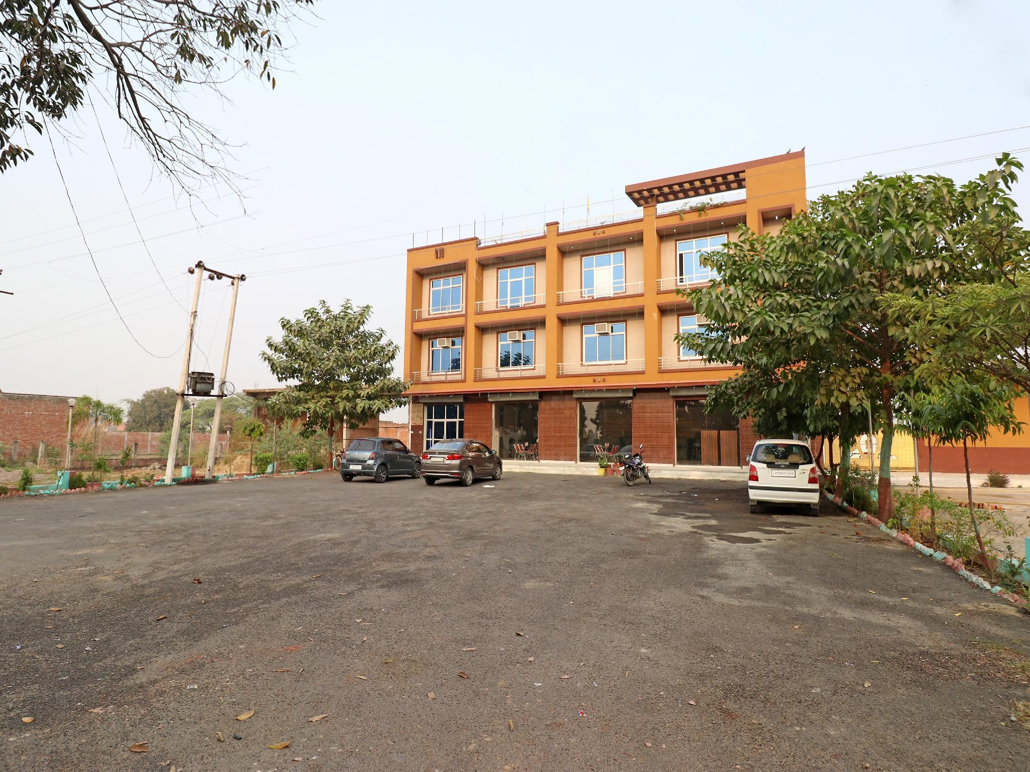OYO 23165 Raghav Resort
